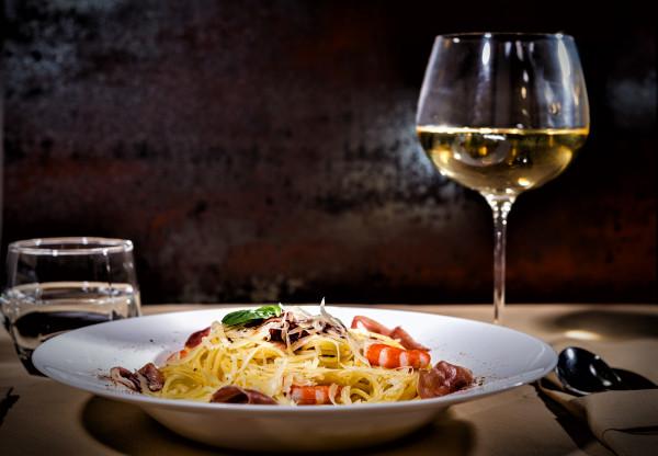 Pasta_und_Wein_01